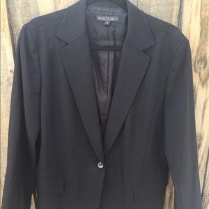 Buttoned Black Blazer